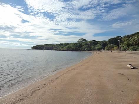 Playa privada de arena blanca unica de la Isla del Tigre